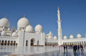 Sheikh-Zayed-Grand-Mosque-in-Dubai